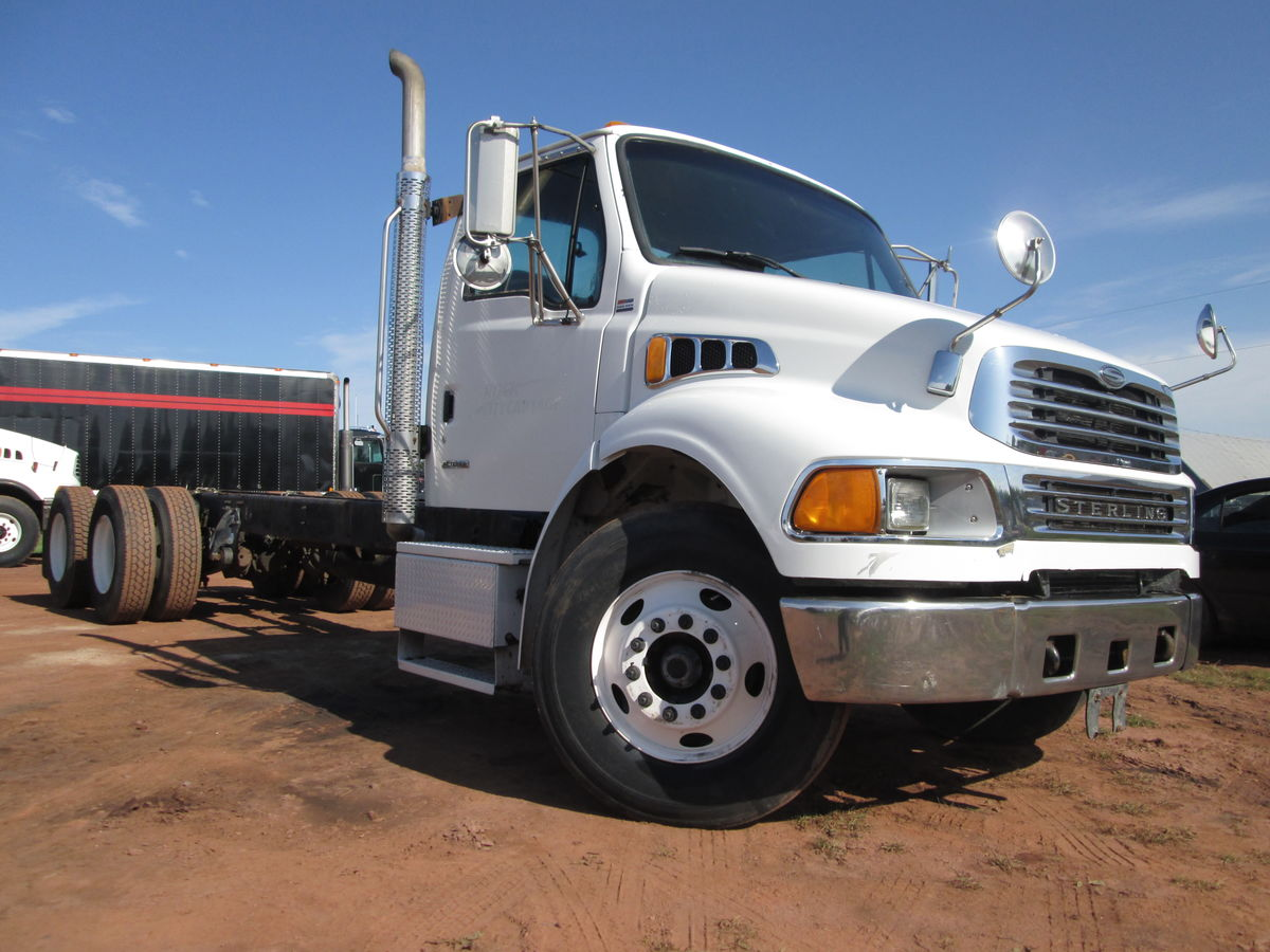 2007 Sterling Acterra cab and chassis, Mercedes  280HP engine, 10 speed transmission, RT40-145 Rockwell differential, air ride suspension.  12000lb front 40000lb rear axle rating, bud steel wheels 11R22.5 tires.  60