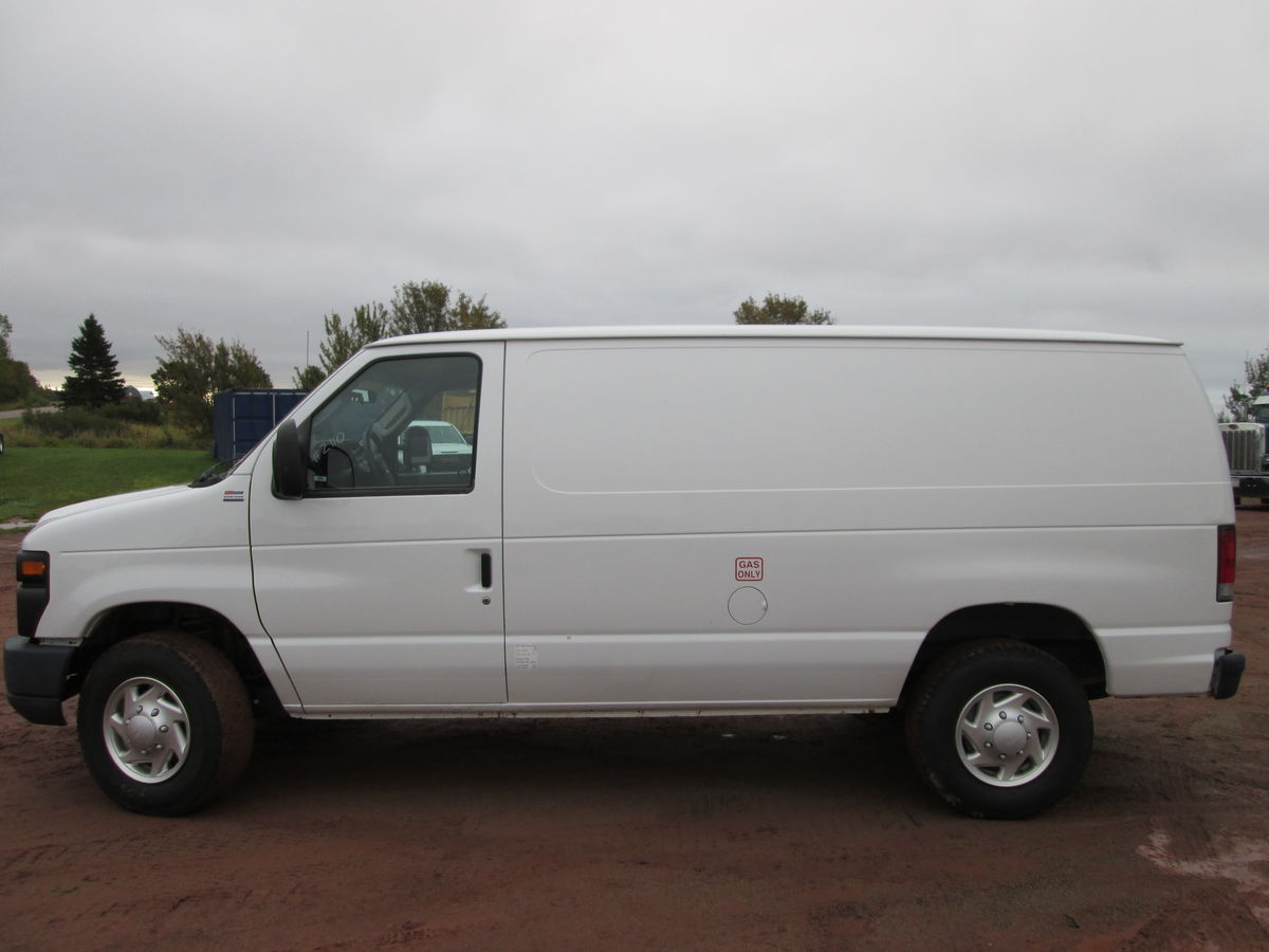 2011 Ford E250 delivery van, V8 engine, automatic, 230000kms, new inspection, tidy unit.  Contact Delmar
