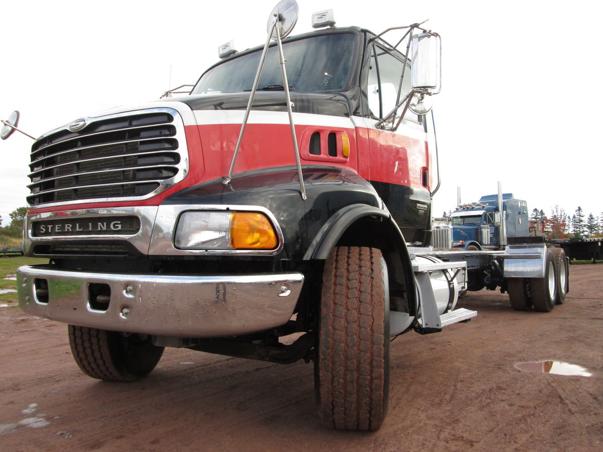 2006 Sterling AT9500 cab & chassis, Mercedes  460 HP engine, Autoshift transmission with overdrive, Air ride suspension, RT46-160 differential, Axle ratings 16000lbs front 40000lbs rear, aluminum wheels tires 315/80/22.5 front, 11R22.5 rear.  Clean unit with 715000 kms, new commercial MVI, contact Delmar.  $33,500