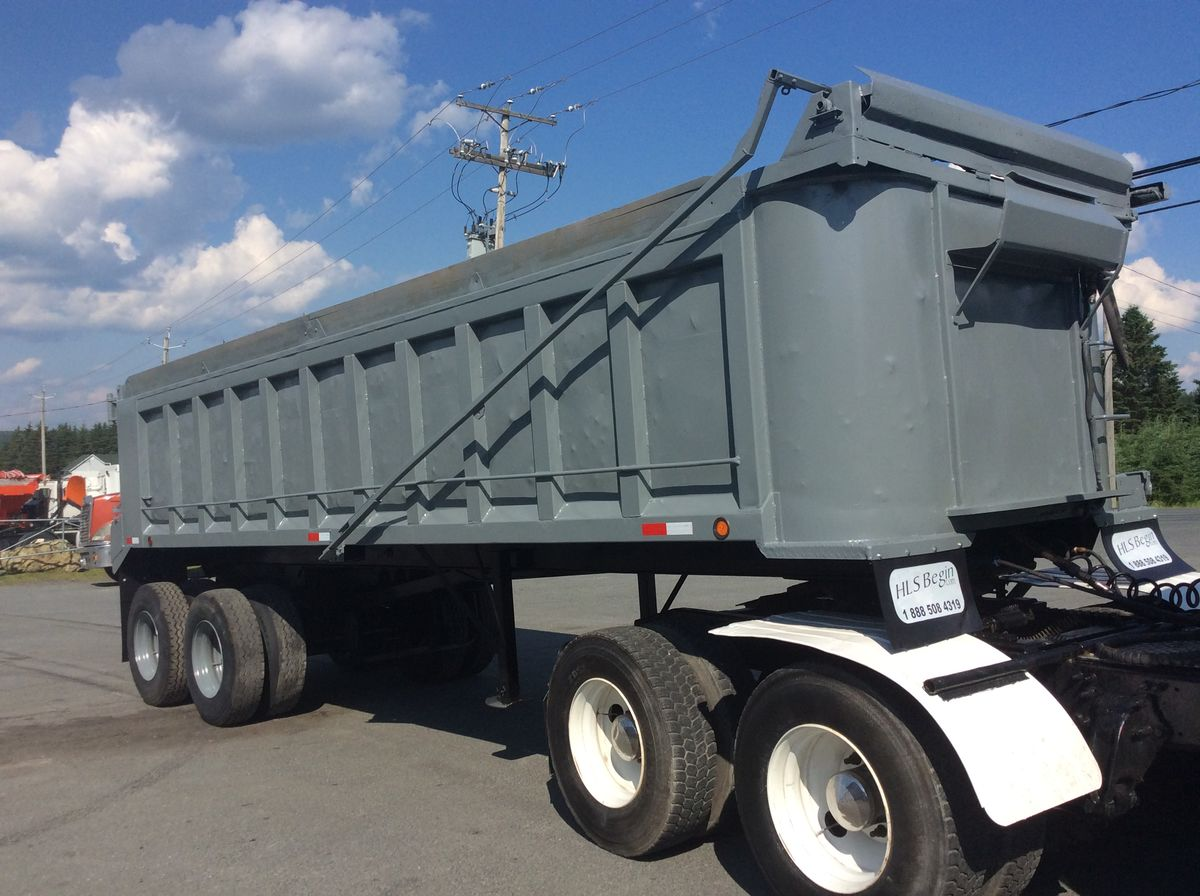 --- HYBRID DUMP TRAILER ---  2008 PALMER TA26H - Stock #: M2312 - Type: Dump Trailer - Brand: Palmer - Model: TA26H Hybrid - Year: 2008 - Length: 26 feet - Exterior color: gray - Price: on request only  Please note that we have two places where trailers can be, either in Lévis or Saint-Georges. We suggest that you contact one of our experienced advisors to be aware of the geolocation of the trailer before traveling.