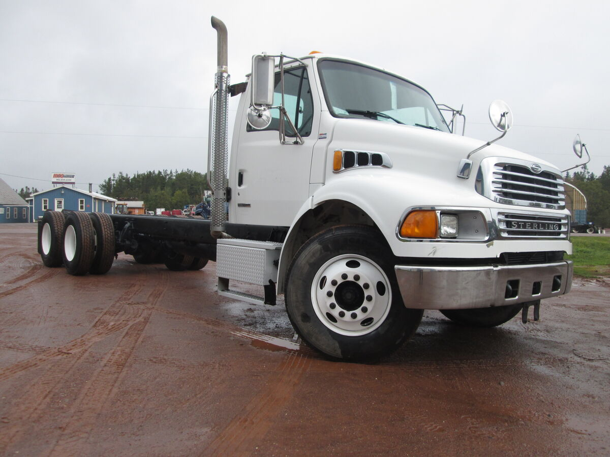 #2024  2007 Sterling Acterra Mercedes 280Hp engine, 10 speed transmission, air brakes, bud steel wheels.  Axle rating 12000lbs front 40000lbs rear, ratio 3.90, airliner air ride suspension.  Axle spread 59