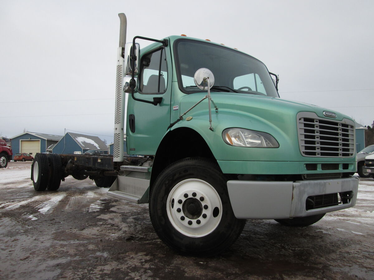 #2320  2011 Freightliner M2-106 cab & chassis, ISC Cummins  270HP, 6 speed manual transmission with overdrive, Air ride suspension, Meritor RS 23-160 differential 4.56 ratio, 12000lbs front 23000lbs rear axle ratings, 268